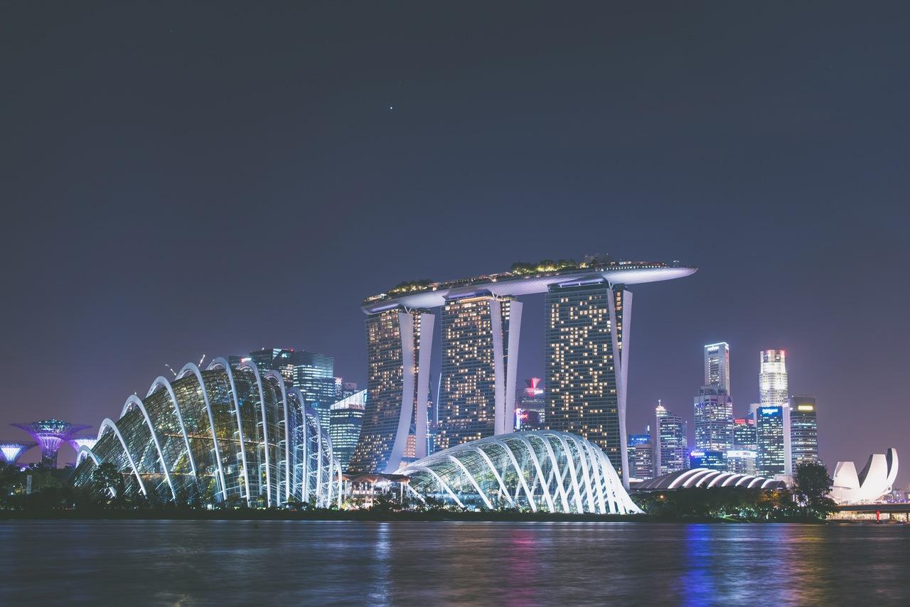 cidade de cingapura a noite iluminada