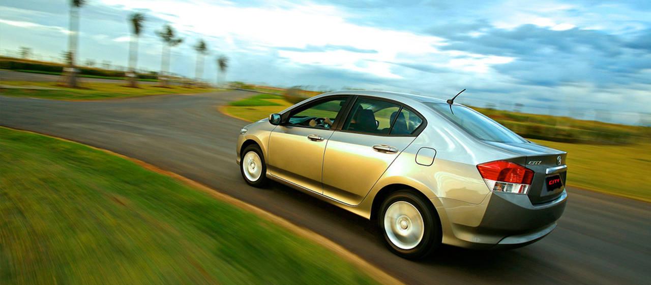 carro em velocidade brasil