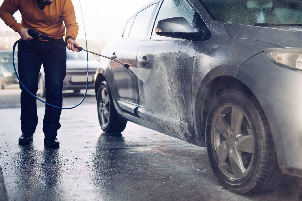 Como lavar o carro da maneira certa?