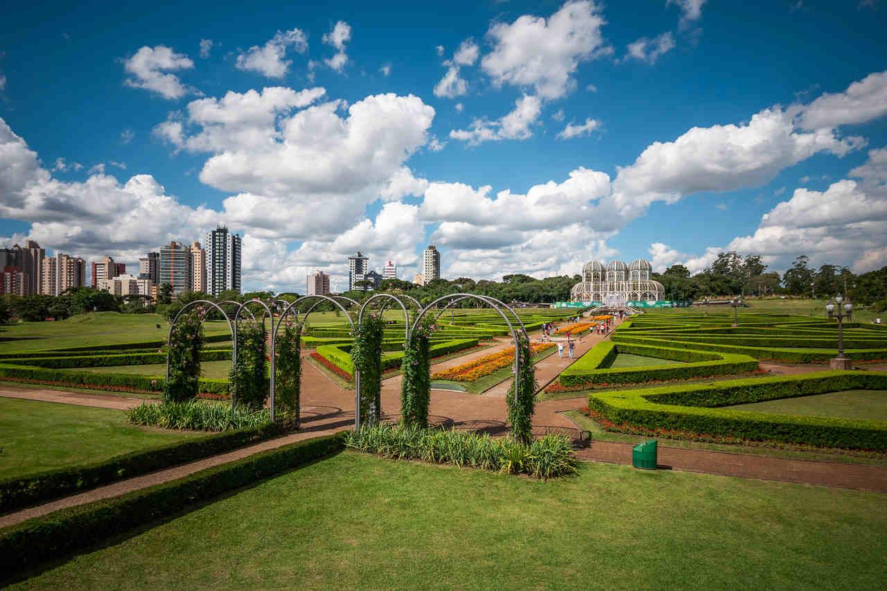 Aniversário de Curitiba: capital da mobilidade urbana completa 327 anos