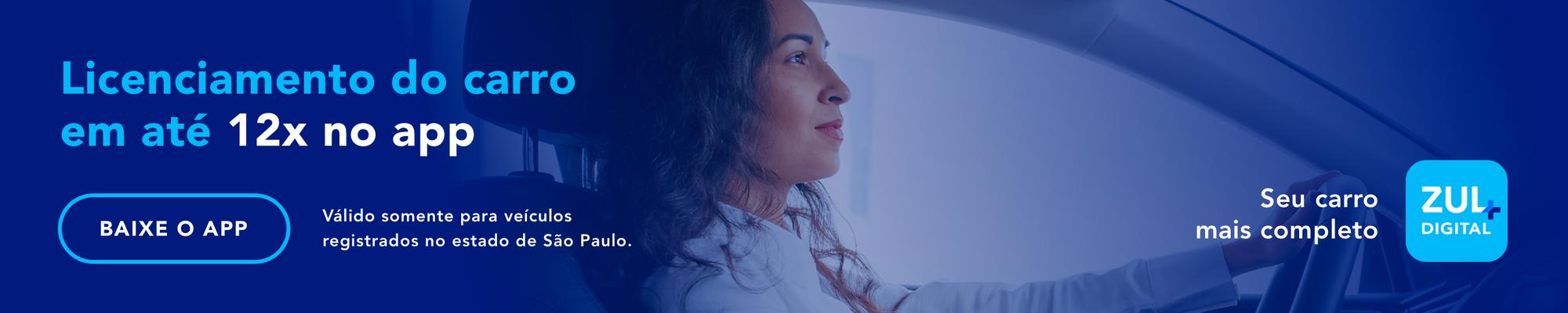 banner mulher dirigindo e sorrindo Licenciamento do carro em até 12x no app